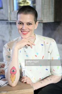 Resultado de imagen para bimba bose tatuaje brazo izquierdo